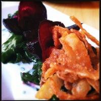 Photo prise au Moxy American Tapas Restaurant par Calamity J. le7/26/2012