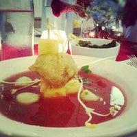 Foto tomada en Natural Gourmet Institute por Yari A. el 7/27/2012