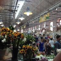 Photo prise au Eastern Market par Brady J. le5/20/2012