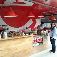 Foto scattata a Ritual Coffee Roasters da Becky C. il 8/11/2012