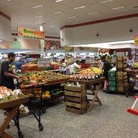 Foto tirada no(a) Sonda Supermercados por Anderson B. em 3/6/2012