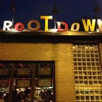 Das Foto wurde bei Root Down von Rault K. am 9/13/2012 aufgenommen