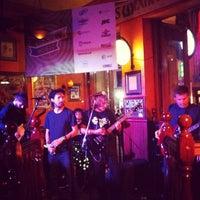 Снимок сделан в BD Riley's Irish Pub пользователем Camila P. 3/16/2012