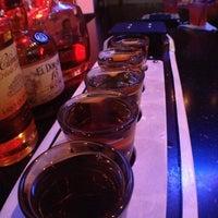 Foto tirada no(a) Rum Bar at the Speakeasy Inn por Steve M. em 3/9/2012