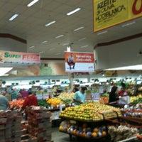 Foto tirada no(a) Sonda Supermercados por Rodrigo T. em 6/23/2012