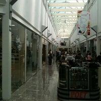 Photo prise au Galería Del Calzado par Juan Hilario P. le11/21/2011