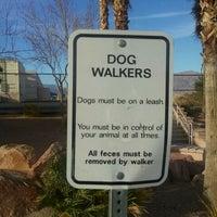 3/12/2011 tarihinde Brent C.ziyaretçi tarafından Centennial Hills Dog Park'de çekilen fotoğraf