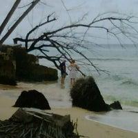 4/22/2012에 KN R.님이 Errol Barrow Beach에서 찍은 사진