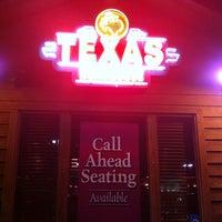 3/10/2012 tarihinde Lyn C.ziyaretçi tarafından Texas Roadhouse'de çekilen fotoğraf