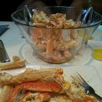 Foto tomada en Pearl Restaurant and Lounge por Ondrea T. el 7/3/2012
