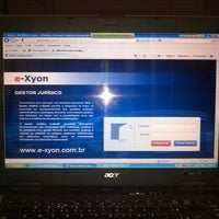 Foto tirada no(a) E-xyon por Claudia L. em 1/27/2012