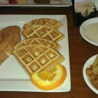 Das Foto wurde bei Granny's Restaurant von M.M.A am 2/25/2012 aufgenommen