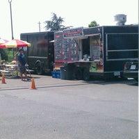 Das Foto wurde bei Windy City Red Hots - Ashburn von M L B. am 5/26/2012 aufgenommen
