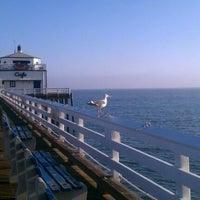 Photo prise au Malibu Sport Fishing Pier par Mottel L. le10/17/2011