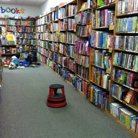 3/18/2012 tarihinde Brandi M.ziyaretçi tarafından Half Price Books'de çekilen fotoğraf