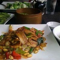 Das Foto wurde bei Koi Fine Asian Cuisine & Lounge von Cj D. am 6/12/2012 aufgenommen