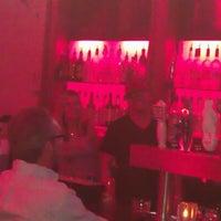 Das Foto wurde bei Spill Lounge von Brad B. am 12/10/2011 aufgenommen