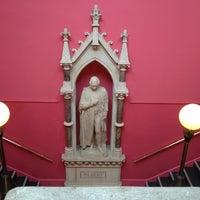 Photo prise au Royal Albert Memorial Museum & Art Gallery par Beef Q. le3/17/2012