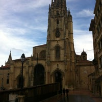 Foto tomada en Catedral San Salvador de Oviedo por Félix N. el 1/1/2012
