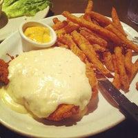 Das Foto wurde bei Hyde Park Bar & Grill South von Quirino S. am 4/23/2012 aufgenommen