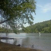 Das Foto wurde bei Cochran Shoals - Chattahoochee River von Melanie S. am 8/21/2011 aufgenommen