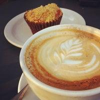 2/5/2012 tarihinde Guillermo E.ziyaretçi tarafından Peregrine Espresso'de çekilen fotoğraf