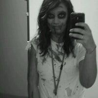 รูปภาพถ่ายที่ Walgreens โดย Kelly .. เมื่อ 10/31/2011