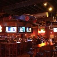 Photo prise au Heroes Sports Bar & Grill par Todd M. le7/10/2012