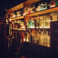 Foto tomada en Ultramarinos Hendrick's Bar por Daniel B. el 9/9/2012