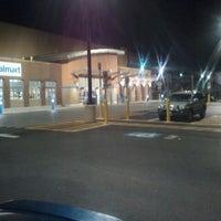 Das Foto wurde bei Walmart Supercenter von Matthew am 1/6/2012 aufgenommen