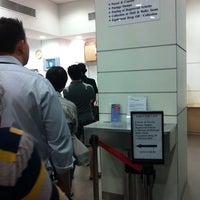 Foto tomada en Tampines Central Post Office  por Julez L. el 8/31/2011