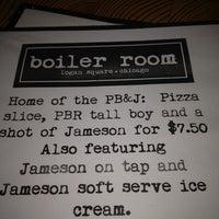 Das Foto wurde bei The Boiler Room von Sara S. am 2/18/2012 aufgenommen