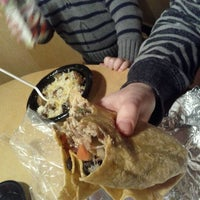 1/15/2012 tarihinde Rhi L.ziyaretçi tarafından Bandit Burrito'de çekilen fotoğraf