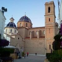Foto tomada en Plaça de l'Església / Plaza Iglesia Altea por Oscar G. el 12/28/2011