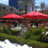 Foto tirada no(a) Palms Pool & Dayclub por Jeff L. em 8/3/2012
