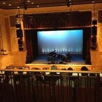 5/6/2012에 Martin P.님이 Ridgefield Playhouse에서 찍은 사진