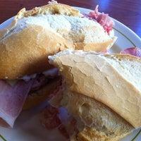 Foto tomada en Lorena Café Los Boliches por Eric N. el 9/10/2011