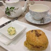 5/26/2012 tarihinde Anna L.ziyaretçi tarafından Tea Salon - The Victoria Room'de çekilen fotoğraf