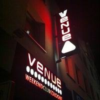 Das Foto wurde bei VENUE - weekendclubcologne von Vito am 11/18/2011 aufgenommen