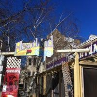 Das Foto wurde bei Heartland Café von @steveGOgreen am 2/18/2012 aufgenommen