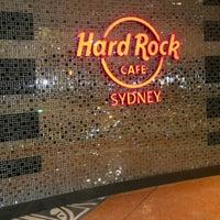 Foto tirada no(a) Hard Rock Cafe Sydney por Monna E. em 8/20/2012