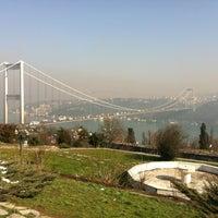 2/4/2012 tarihinde Gogaziyaretçi tarafından Doğatepe Restaurant'de çekilen fotoğraf