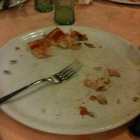 Foto tomada en Pizzeria Al Gambero por Christoph T. el 4/22/2012