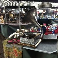 Foto tirada no(a) Feira de Antiguidades do Masp por Giuseppe C. em 9/9/2012