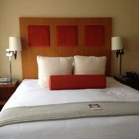 Снимок сделан в Hotel Zelos пользователем Zipporah S. 4/3/2012