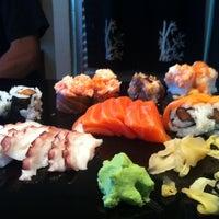 Foto tirada no(a) Aô Sushi Bar por Patricia D. em 9/9/2012