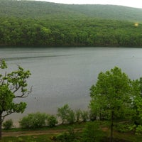 Photo prise au Rocky Gap Casino Resort par Chen H. le5/8/2012