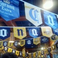 Foto tomada en La Parrilla Mexican Restaurant por Jamie I. el 5/4/2012