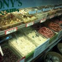 Foto scattata a Tony's Italian Deli and Subs da Brian S. il 4/9/2012