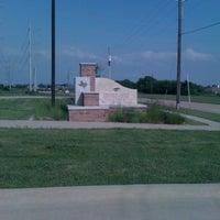 Das Foto wurde bei Prairie Paws Adoption Center von Lynnette T. am 4/12/2012 aufgenommen